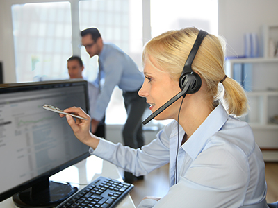 Prizma FM Zrt. Támogató szolgáltatások: Helpdesk, Prizma Help 24 órás ügyfélszolgálat, Prizma24 Call center, Prizma 24CAFM a Prizma Csoporttól. A Prizma Help az ügyfeleink, munkatársaink és alvállalkozó partnereink közötti kapcsolattartást biztosítja a nap 24 órájában. A Prizma24 call center ügyfélszolgálata a nap 24 órájában áll partnereink rendelkezésére. A Prizma24 CAFM nem csupán egy hibabejelentő felület, hanem a Prizma által ellátott munkafolyamatokat és azoknak minden lépését végigkövető adatbázis-kezelő szoftver.